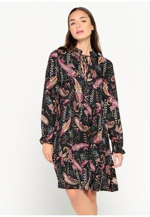 MID-LENGTH  - Jumper dress - black