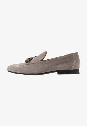 Elegantní nazouvací boty - grey