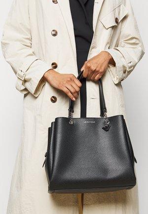 ANNIE TOTE M PUBBLE - Handbag - nero
