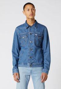 Wrangler - Veste en jean - bora blue - 0