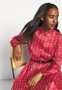 Mulberry - TERI DRESS - Sukienka koszulowa - medium red - 3