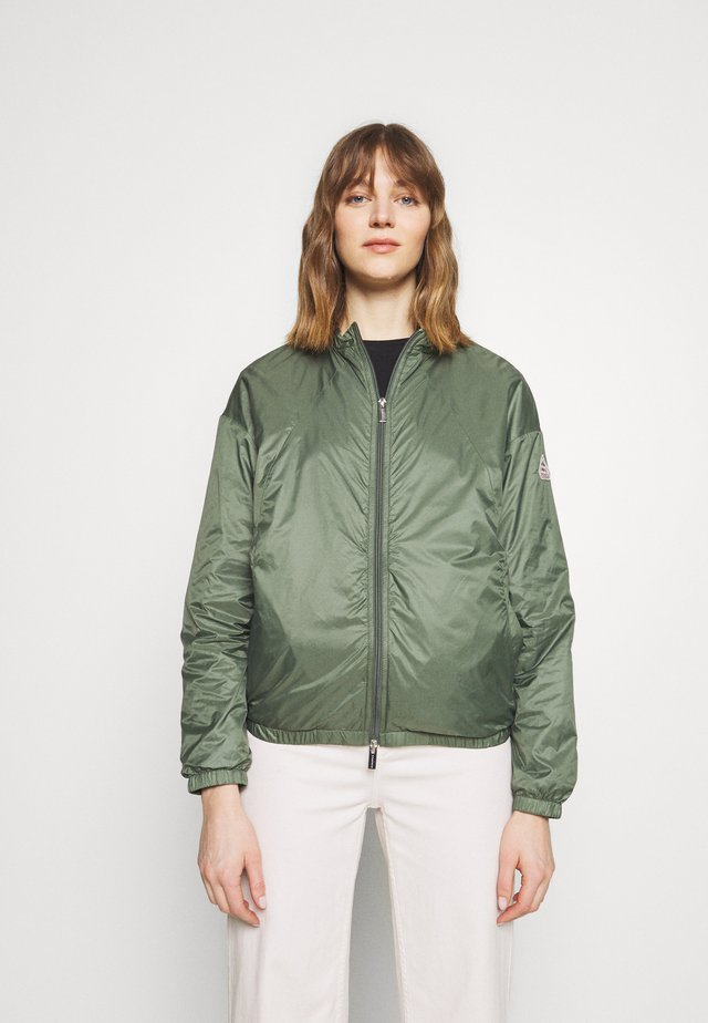 WATER REPELLENT AND WINDPROOF CREEK - Summer jacket - jungle