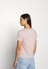 Tommy Jeans - ESSENTIAL STRIPE TEE - Print T-shirt - soft beige/multi - 2