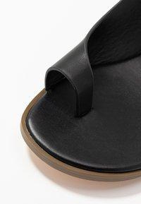 Matt & Nat - HIROE - T-bar sandals - black - 2