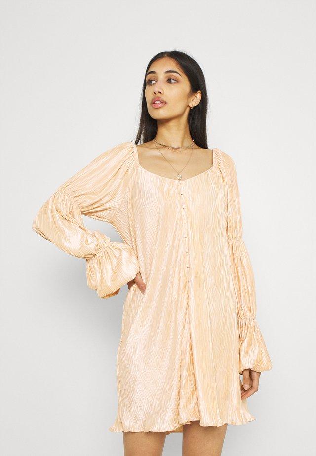 PLEATED BUTTON DETAIL DRESS - Shirt dress - peach