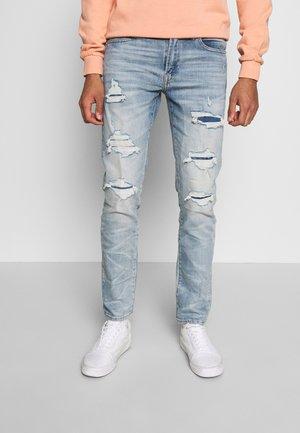 MEDIUM MENDED WASH SLIM - Slim fit jeans - light blue denim