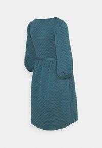 MAMALICIOUS - MLINA SHORT DRESS - Žerzejové šaty - mallard blue - 1
