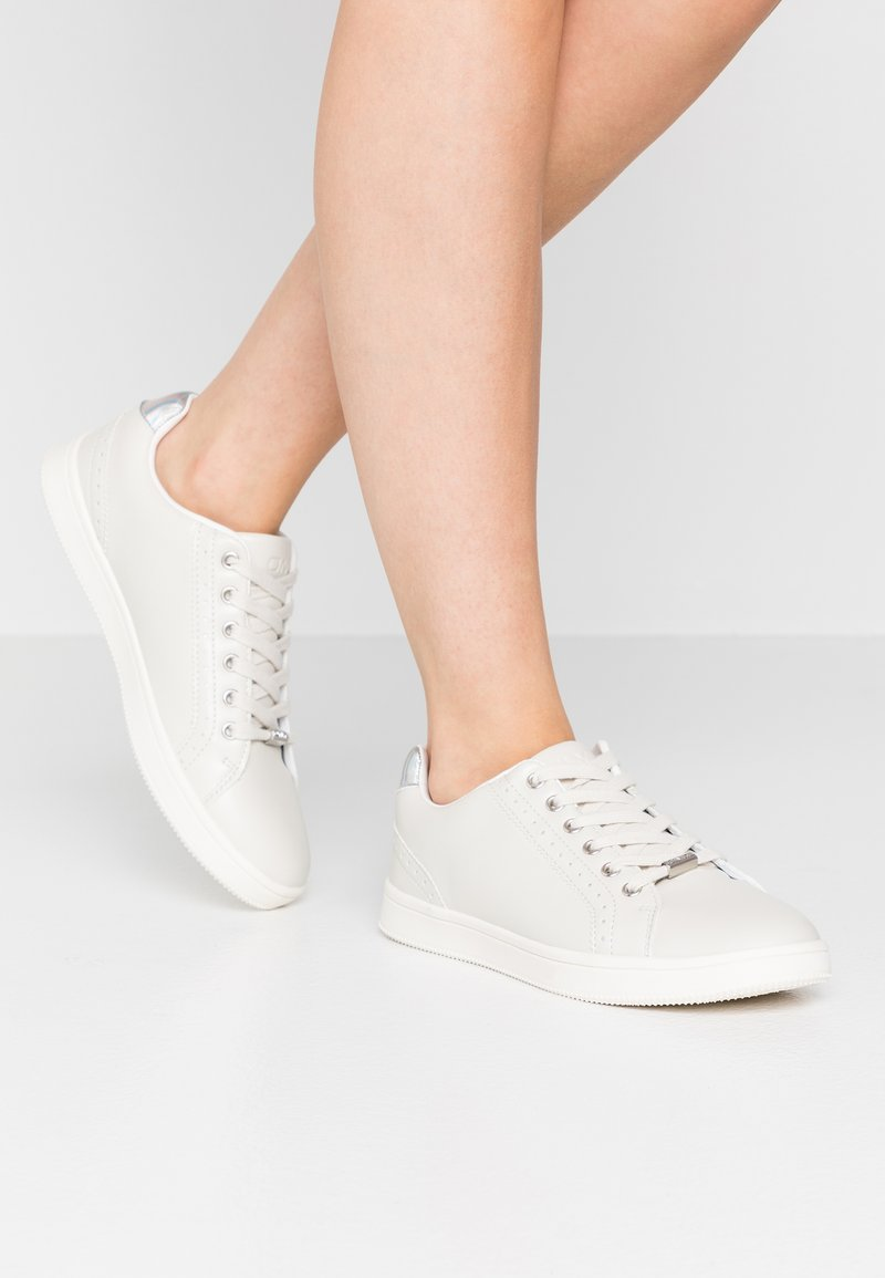 ONLY SHOES - ONLSHILOH - Sneakers laag - white/grey