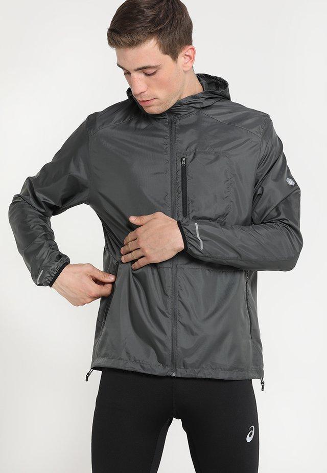 PACKABLE JACKET - Běžecká bunda - dark grey/performance black
