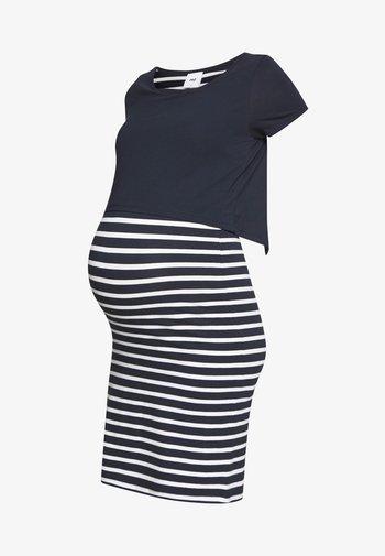 MLLEA JUNE DRESS - Žerzejové šaty - navy blazer/snow white