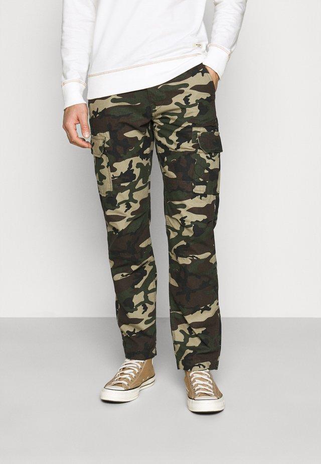 EDWARDSPORT - Pantalon cargo - olive/beige