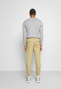 Redefined Rebel - TOBY PANTS - Trousers - sand - 2