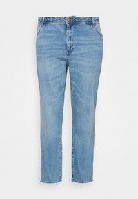 Noisy May Curve - NMOLIVIA SLIM STRAIGHT - Straight leg jeans - light blue denim - 3