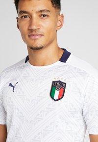 Puma - ITALIEN FIGC AWAY JERSEY - Oblečení národního týmu - white/peacoat - 3