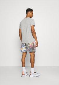 BDG Urban Outfitters - JOGGER UNISEX - Shorts - dark tie dye - 2