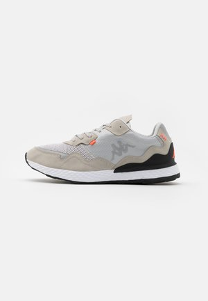 LAVERTON UNISEX - Sports shoes - grey/coral