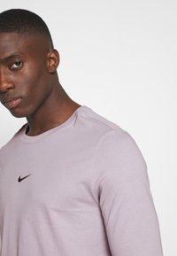 Nike Sportswear - Maglietta a manica lunga - silver lilac - 4