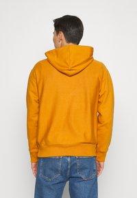 GAP - DRY - Bluza z kapturem - autumn orange - 2