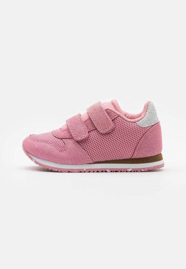 SANDRA PEARL - Tarrakengät - soft pink