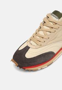 Bronx - MA-TRIXX - Sneakers laag - asphalt/camel/khaki - 6
