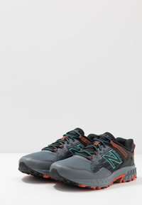 New Balance - 410 V6 - Trail running shoes - grey/black - 2