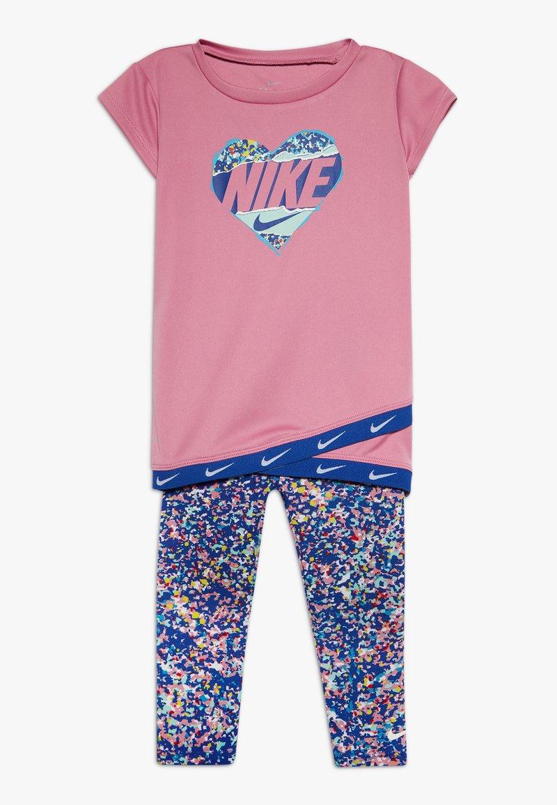 Nike Sportswear - SPORT TUNIC REGRIND SET BABY - Leggings - Trousers - hyper blue