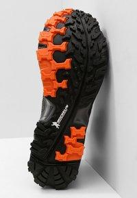 Salewa - MS ULTRA FLEX MID GTX - Hiking shoes - black/holland - 4