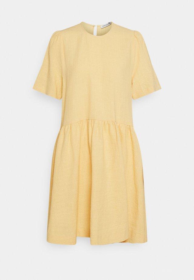 DRESS HELLAS - Denní šaty - jojoba