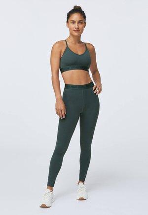 LOGO COMFORT - Light support sports bra - evergreen