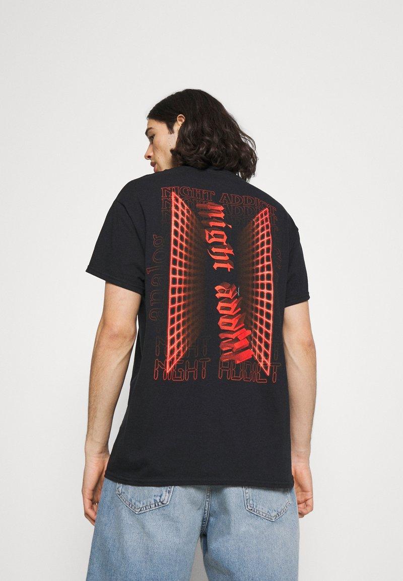 Night Addict - ANALOG - Print T-shirt - black