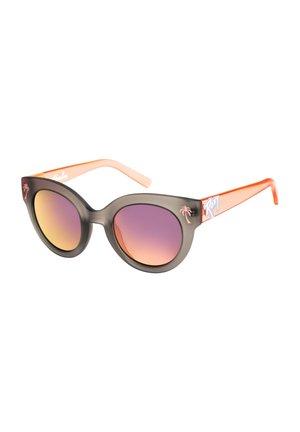 HAVALINA - Sunglasses - matte grey/flash rosegold