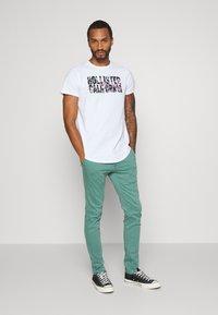 Hollister Co. - FLORAL PRINT LOGO - Print T-shirt - white solid - 1