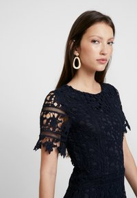 Missguided - CROCHET OPEN BACK MIDI DRESS - Cocktail dress / Party dress - dark blue - 4