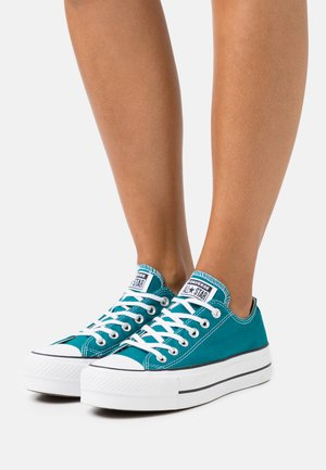 CHUCK TAYLOR ALL STAR LIFT - Sneakers laag - bright spruce/white/black