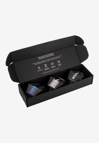 Solidu - GIFT SET 20 EXOTIC SECONDS - Skincare set - black - 1