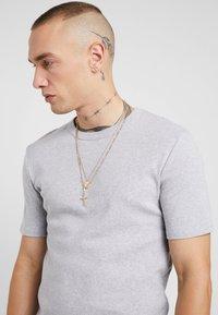 Burton Menswear London - CROSS AND DISC CHAIN MULTIROW - Collana - gold-coloured - 1