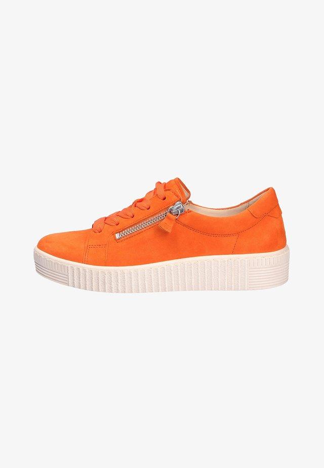 Sportieve veterschoenen - orange