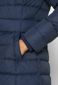 Tommy Jeans - ESSENTIAL HOODED COAT - Płaszcz puchowy - twilight navy - 6
