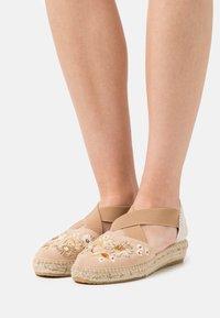 Kanna - ADA - Korkeakorkoiset sandaalit - beige - 0