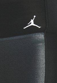Nike Performance - JORDAN PARIS ST GERMAIN LEGGING - Medias - black - 6