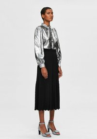 Selected Femme - Button-down blouse - silver - 1