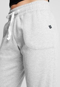 Cotton On Body - GYM TRACKPANT - Tracksuit bottoms - cloudy grey marle - 4
