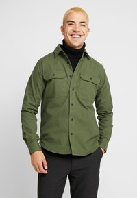 Knowledge Cotton Apparel - LONG SLEEVE MOLESKIN - Camicia - green forest - 0