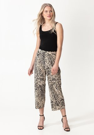 INGA - Trousers - leo1