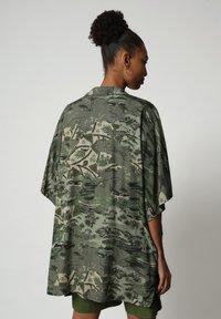 Napapijri - G-MAUI - Button-down blouse - camo green - 2