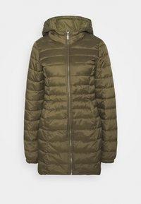 ONLNEWTAHOE QUILTED COAT  - Klasický kabát - beech