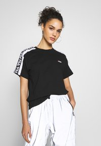 Fila - TANDY TEE - T-shirts med print - black / bright white - 0