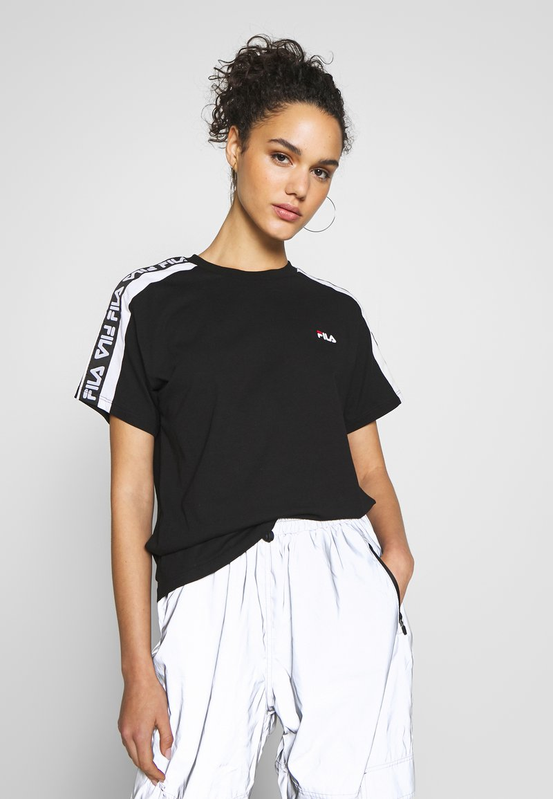 Fila - TANDY TEE - T-shirts med print - black / bright white