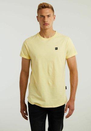 BRODY - Jednoduché triko - yellow