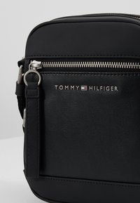 Tommy Hilfiger - MINI REPORTER - Across body bag - black - 7